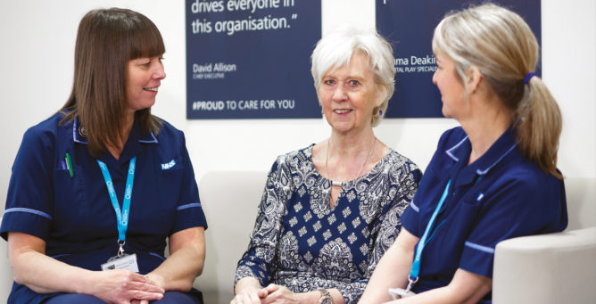 Lung cancer nurse specialists